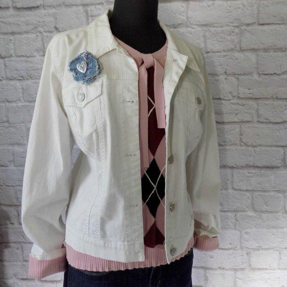 Gwen Poshmark Reckless Resale Romance Pink Vintage Collection Nine West American Vintage White Denim Jean Jacket