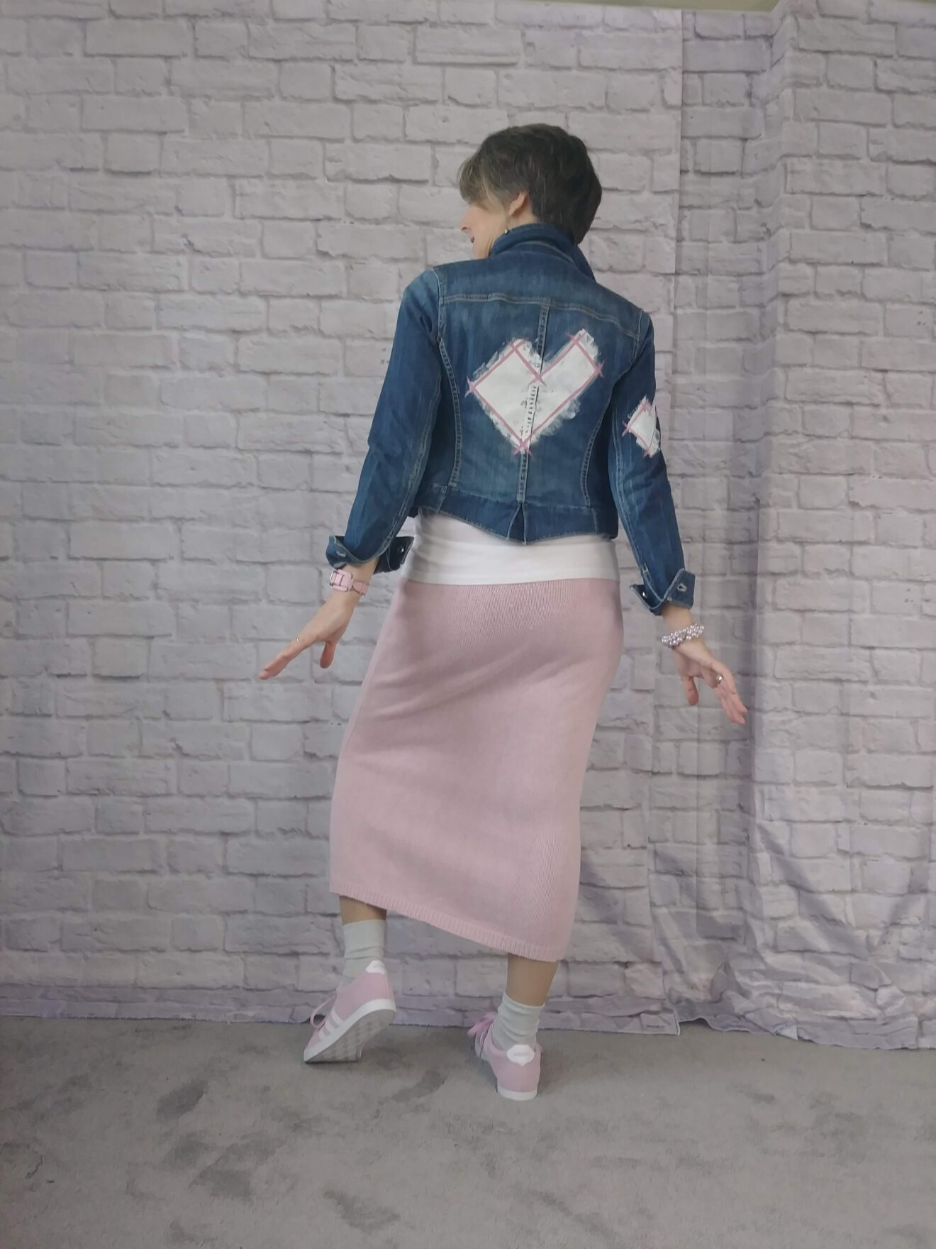 Style Story Interview Reckless Resale Designer Gwen Bielicki Cute Pink Outfit with Heart Painted DIY Denim Jacket Story Behind The Cloth e1560706709829