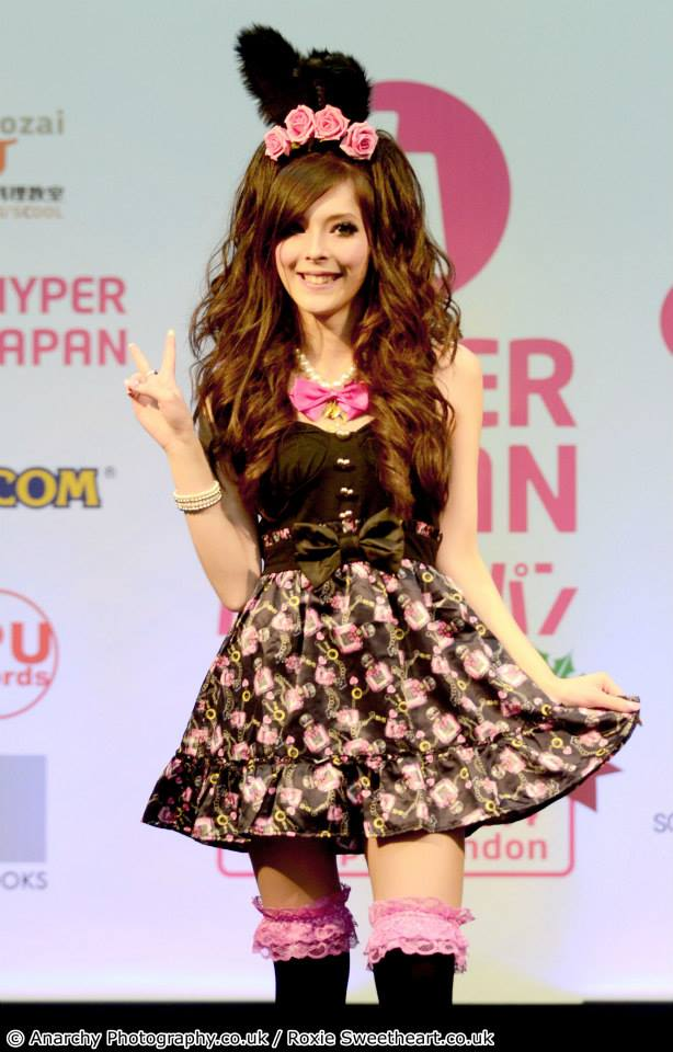 Gyaru Chameleon A Style Story Interview with Lizzie Bee Story Behind The Cloth agejo gyaru hyper japan roxie sweetheart
